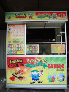 Toper Bubble + Crepes Booth